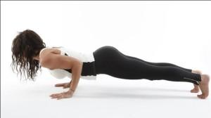 Uprazhnenija-dlja-zhenskih-grudnyh-myshc-Programma-zanjatij-video-Упражнения-для-женских-грудных-мышц-Программа-занятий-видео