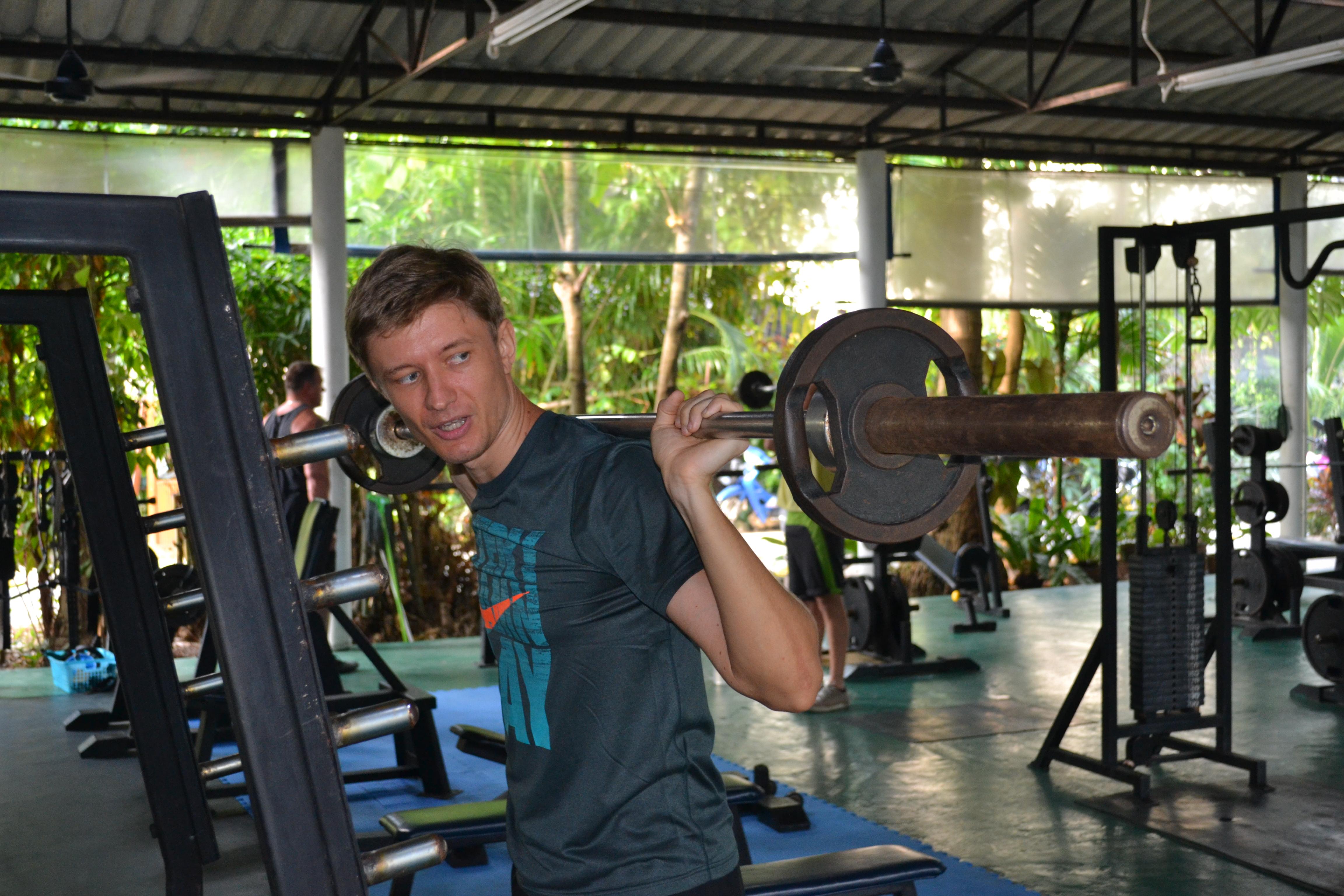 Artem-Mel'nik-fitnes-proekt-6-nedelja-trenirovok-Артем-Мельник-фитнес-проект-6-неделя-тренировок