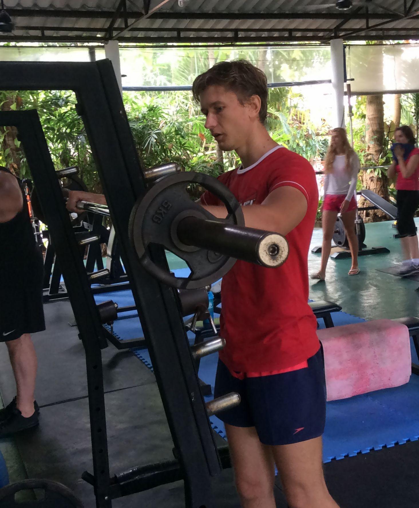 Artem-Mel'nik-fitnes-proekt-3-ja-nedelja-zanjatij-Артем-Мельник-фитнес-проект-3-я-неделя-занятий